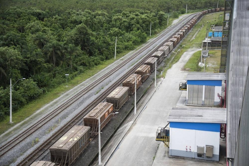 Trem de grãos para carregamento em navio em terminal do porto de Santos (SP) - Guilherme Kastner - 20.fev..18/Folhapress
